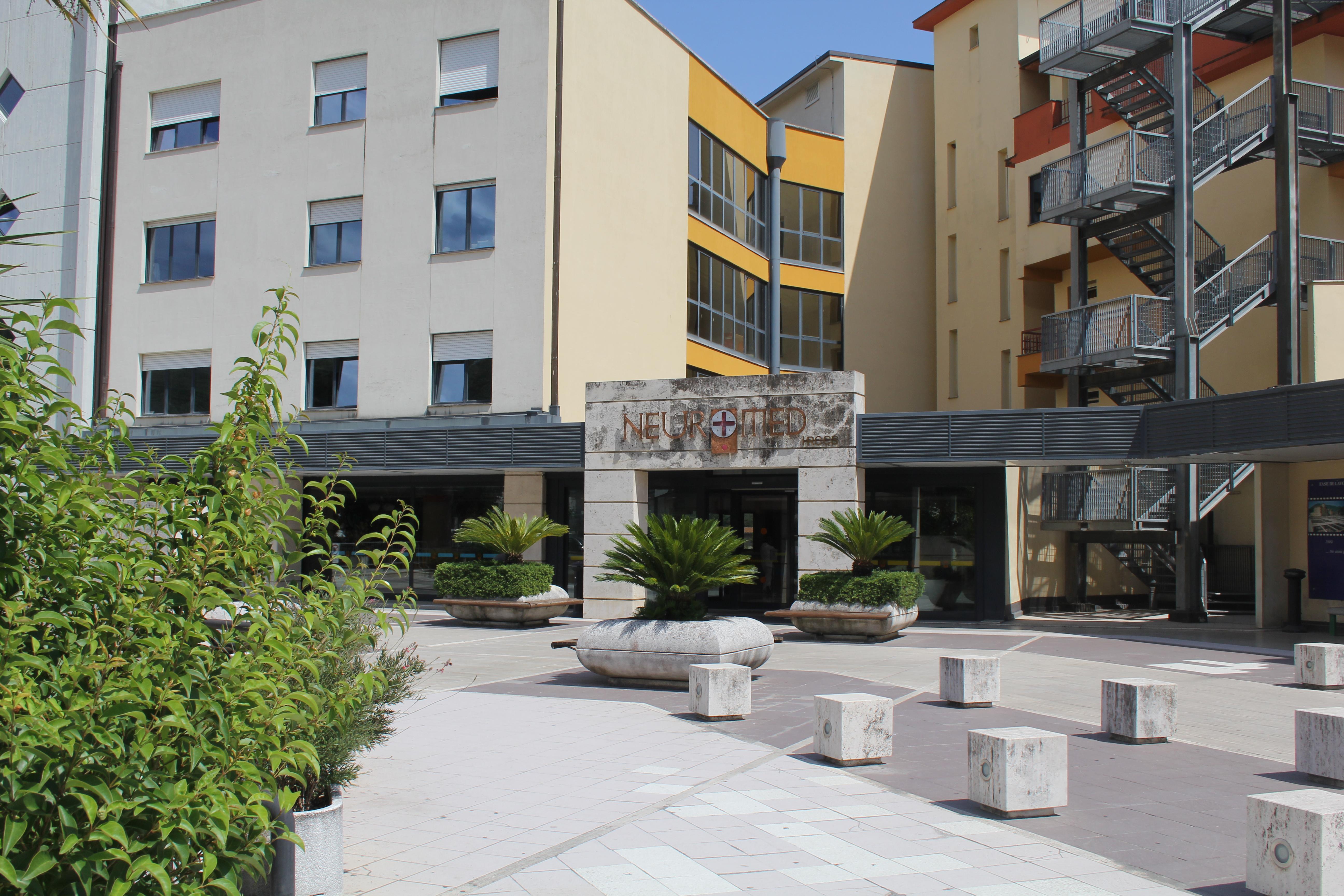 esterno-clinica-ingresso-1