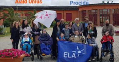 Ponte di solidarietà tra la Campania e la Sicilia per aiutare il piccolo Luigi a godere del mare